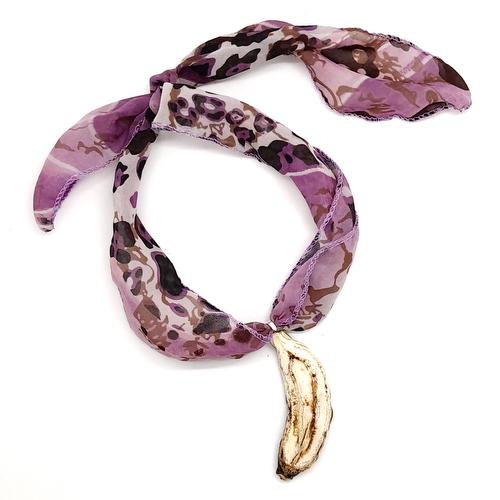 Collar Pañuelo con Tajada de Banano - Natural - Joyeria Frutal